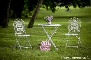 happy moments_table&chairs (2)