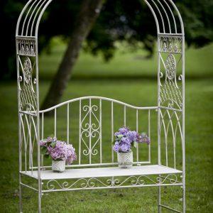 Скамейка с аркой