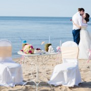 happy moments_table&chairs (1)