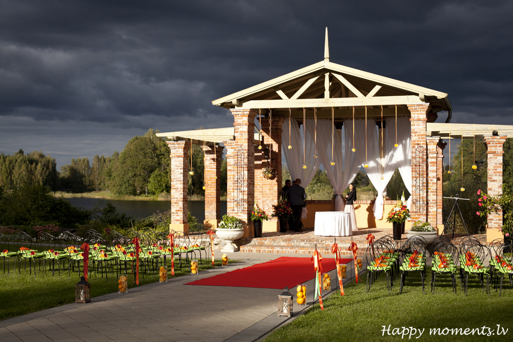 Happy moments wedding (5)